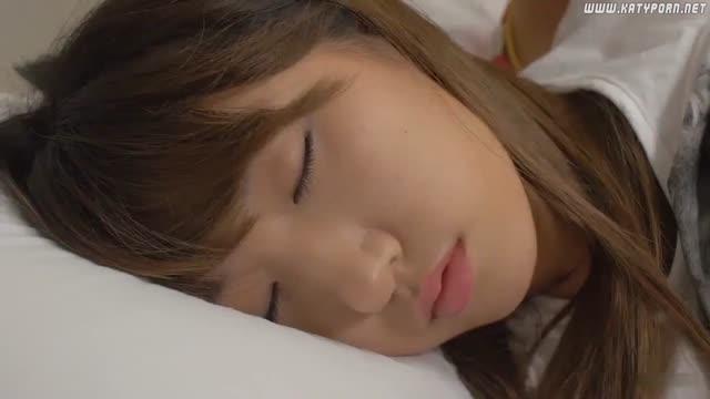 xxxสาวเกาหลีเย็ดกับหนุ่มหล่อควยใหญ่สะด้วยจับเลียหัวนมโครตเสียวอะ