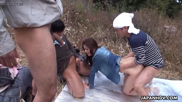4 หนุ่มรุมเย็ดสาวสวยหลงป่า อย่างเมามันส์ ดุเด็ดเย็ดมันส์เย็ดอย่างหิวกระหายสุดๆ