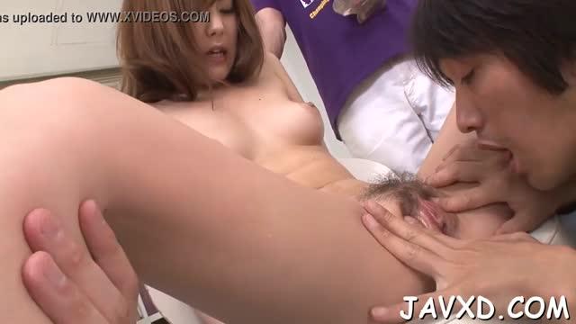หนังav japan สาวสวยน่ารัก โดนหนุ่มๆ เลียหีอูมๆให้ เสียวหีสุดๆจนน้ำหีเยิ้ม