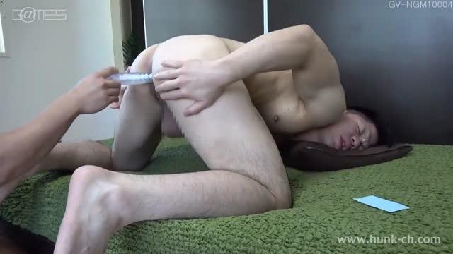 หนังโป๊เกย์ญี่ปุ่น gay porn หนุ่มเกย์ใจสาว จับควยนายแบบอมไม่หยุด ดูดให้ควยแข็งแล้วเย็ดตูดเกย์ต่อ ล่อทางประตูหลังเสียวตูดได้ใจ