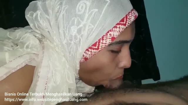 ทหารชายแดนใต้ นัดเย็ดสาวมุสลิมเมียผู้นำหมู่บ้าน ใส่ผ้าคลุมหัวโมกควยเต็มลำ