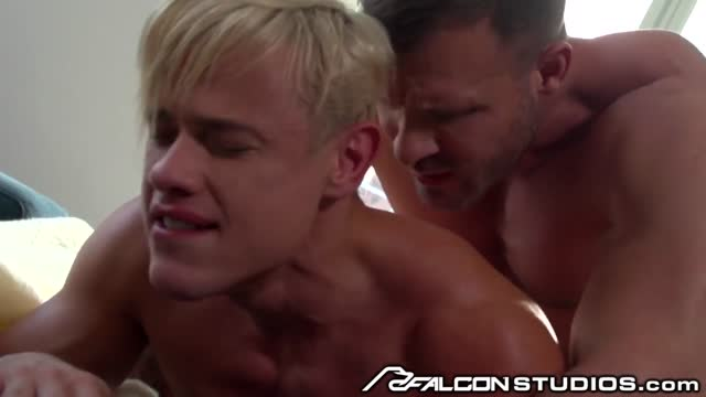 หนังXXXเกย์ฝรั่ง Austin Wolf เกย์สายรุกบุกเย็ดกระเด้ารูตูดแรง เอากันไม่ยั้งก้นฟิตหนีบควยแน่นไปหมด ฝรั่งกล้ามโตเป็นเกย์เย็ดน้ำว่าวพุ่งพร้อมกัน
