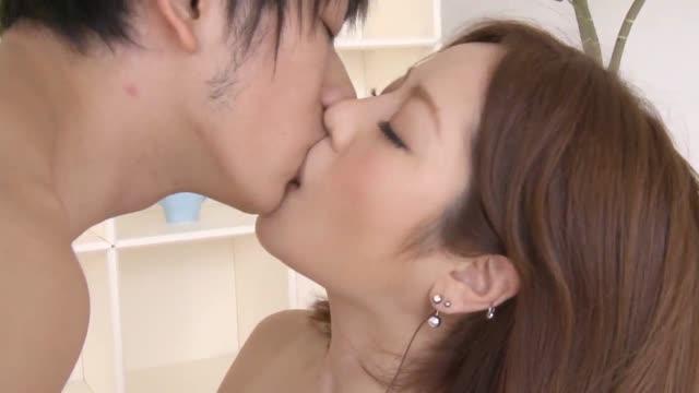 สาวญี่ปุ่นน่ารักเซ็กจัดแอบแฟนหนุ่มมาเย็ดกับกิ๊กขี้เงี่ยนควยใหญ่เย็ดกันมัน