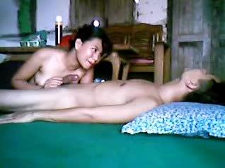คู่รักหนุ่มสาวพม่าเย็ดกัน