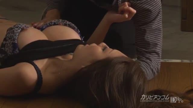 Japanese xx เมียเพื่อนเมามา แล้วดันเข้าห้องผิด เย็ดหีสิครับ รอไร Porn AV