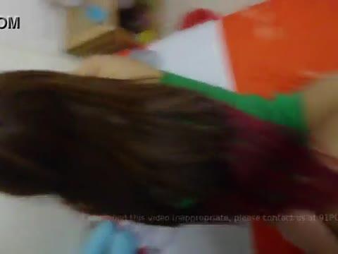 หลุดนิสิตสาวจบใหม่ทำงานกสิกรเย็ดกับผัวคาชุดสีเขียว เอวเด็ดหุ่นดีครางอ๊าๆเสียวมากบอกตรงๆเสียวควยเงี่ยน
