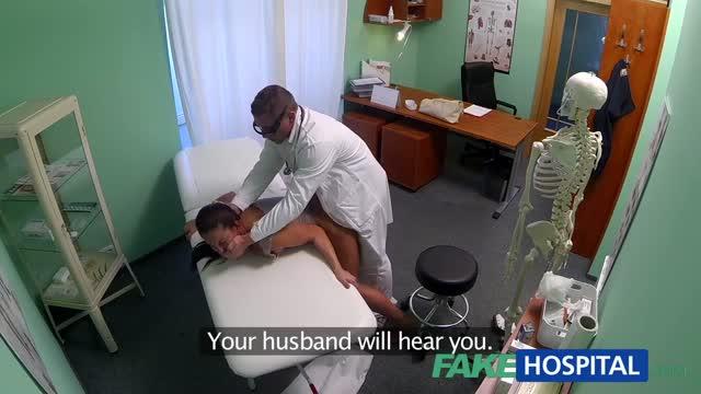 คลิปหลุดมาใหม่ หมอแอบเย็ดสาวสวย มาตรวจภายในเเต่โดนปล่อยเเตกในเฉยเลย ควยเเตกคาหี