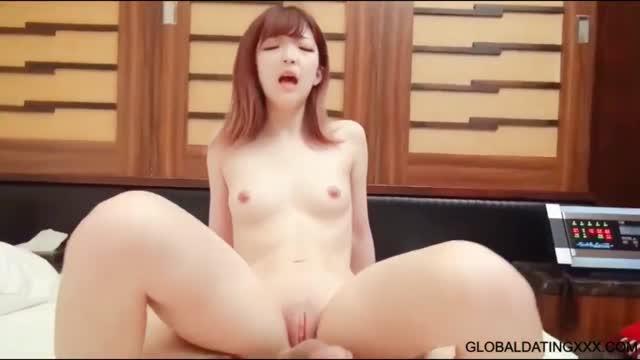 หนังโป๊ญี่ปุ่น สาวสวยหน้ารักหีโหนกนโดนแฟนเย็ดหีท่าหมาร้องครางอย่าวเสียว