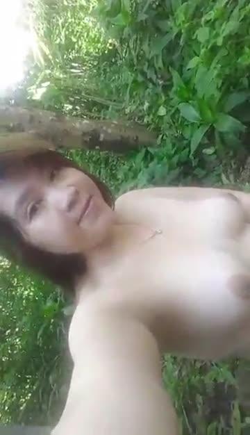 หนังโป๊เวียดนาม สาวสวยเเอบมาช่วยตัวเองในป่า น้ำเเตกให้ดูกันชัดๆ