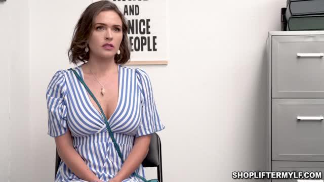 พนักงานออฟฟิศสาวสุดสวยหุ่นอวบนมใหญ่น่าขย่ำมากๆแอบเข้าไปเย็กับแฟนหนุ่มในห้องทำงานรีบทำรีบเสร็จ