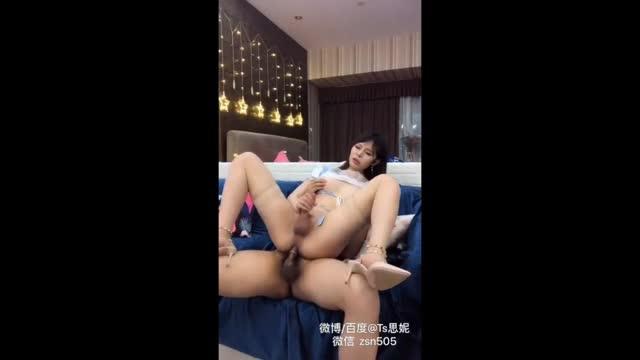 หลุดกระเทยไทย รับงานที่โรงแรมกับหนุ่มจีน นั่งควยแข็งให้ดูดๆอมๆ แล้วจัดการขึ้นนั่งยองเอาควยเสียบตูดเด้าxnxxเบาๆจนเสร็จคาถุง