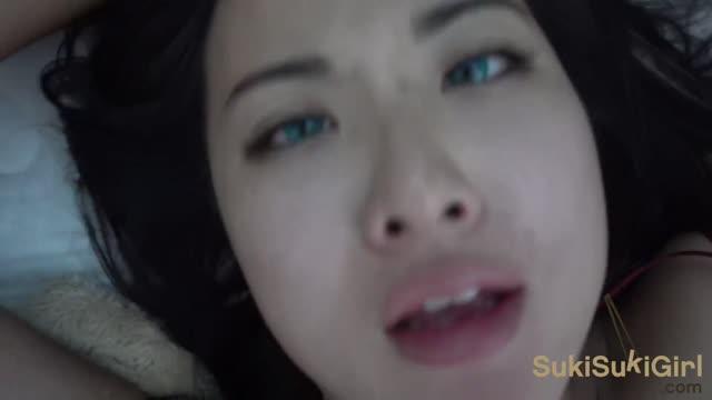 หนังโป๊ฮิตxนิสิตไทย ถ่ายหนังโป๊เย็ดกันทางบ้านกับสามีเย็ดเสียวจนต้องร้องขอชีวิตออกอาการกระหายจัด อมมิดควยให้ขึ้นลำก่อนดันเย็ดหีหนึ่งดอก