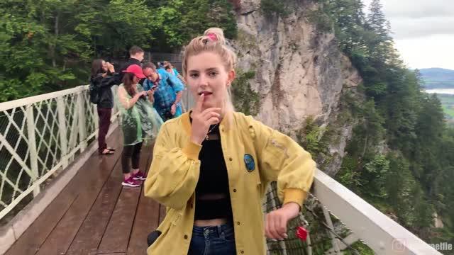 porn av ดาราโป๊รัสเซีย Eva Elfie โมกควยคู่ขาบนยอดเขาในป่า วิวโครตได้เลย