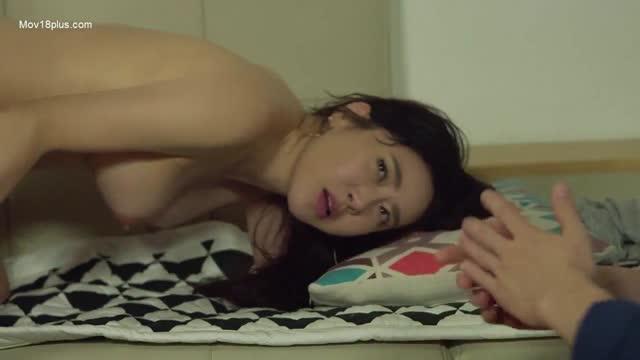 หนัง sex เกาหลี ลองให้เพื่อนเย็ดหีเมีย จับเอวซอยหีไม่ยั้งคาโซฟา