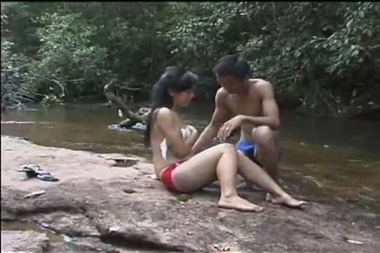 หนังโป๊คนไทย เอากันในป่า Fucking in the forest xxx thai