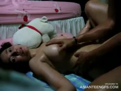 ดูหนังโป๊ไทย สาวไทยนมโตถูกเด้าหีสุดเสียว ร้องครางลั่นห้อง