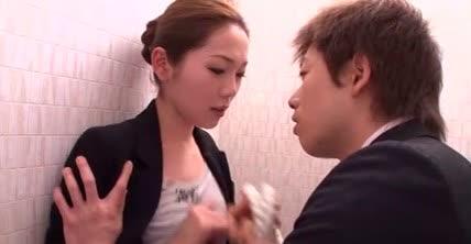 เจ้านายกับเลขาในห้องน้ำ Asami Ogawa