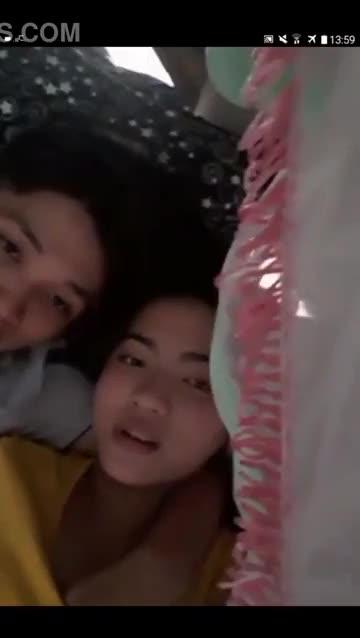 bigoโชว์เย็ดเมียล้วงนมเลียกไลท์จูบปากไซด์คอจับนมเมียโชว์ คลิปหลุดไทย