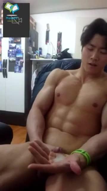 ดูหนังxเกย์หล่อ เทรนเนอร์เกาหลีเล่นกล้ามตัวใหญ่โชว์ควยอวบ เปิดกล้องถ่ายตอนนั่งชักว่าวเอามือถูกะดอจนน้ำแตก ช่วยตัวเองโชว์จนดังไปทั่วเว็บ18