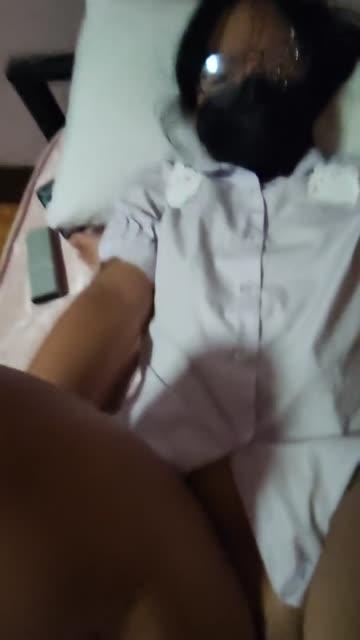 xxxคลิปโป๊ออนไลน์ สาวไทยติดเกมเล่นเเต่ Among Us ผัวจับเย็ดตอนกำลังเล่น จับแหกรูหอยเย็ดน้ำแตก กระแทกเย็ดจนหีแอ่น