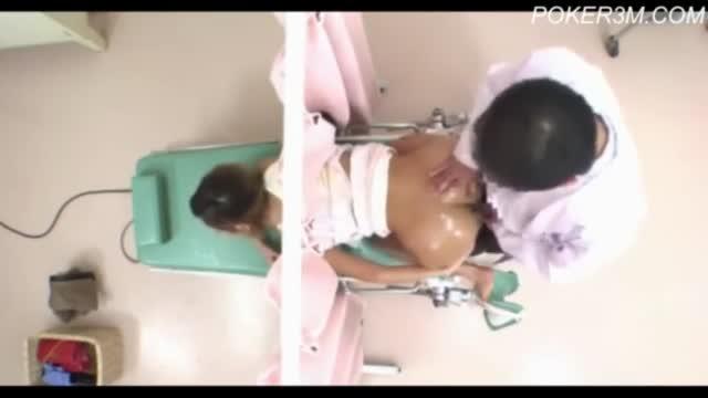 หนังAVญี่ปุ่นเต็มเรื่อง มาฉีดวัคซีนแต่เจอหมอจับแหวกหีเย็ด ญี่ปุ่นฉีดไฟเซอร์โดนเย่อหีกันบนเตียงคนไข้ เสียบหีท่าหมาเสียวชิบหาย หีเนียนเอวพริ้วจัด