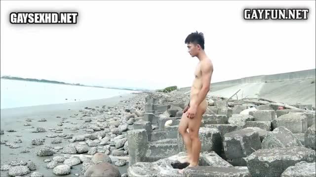 Gay Video จับหนุ่มสลัมบ้านนอกมาถ่ายแบบโชว์ควยหุ่นดี๊ดี วัยกำลังน่าดูดควยหวานๆ