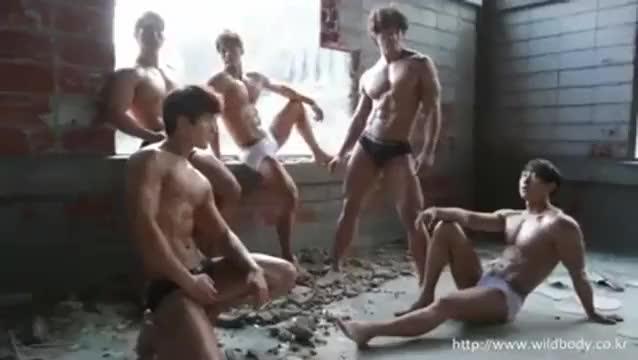 pornเกย์สุดเสียว หนุ่มฝรั่งหล่อหล่ำนัดหนุ่มน้อยสุดหล่อมาเย็ดถึงบนเรือ จับควยโม๊คแล้วควยยัดรูตูดกระเด้าสุดฟิน