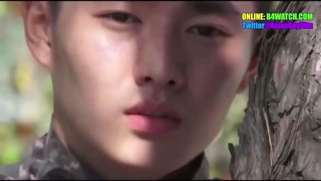หนังเอ็กส์เกย์เกาหลีทหารหลังรบเสร็จเลยขอเย็ดก้นฉลองชัยชนะ เสียบตูดเย็ดกันมันส์ เย็ดก้นท่าหมาเปิดห้องเย็ดกัน ฉากเปิดดูปากแลกลิ้นโคตรดุ